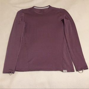 Tops - Patagonia long sleeve with finger holes